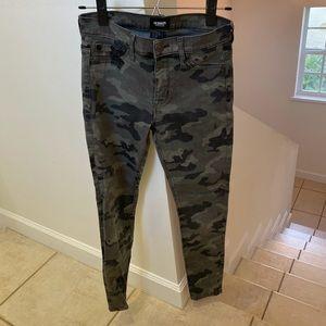 Hudson Camo Skinny Jeans sz 25